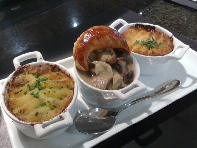 How gorgeous does this look. It's fish, chicken & mushroom, and shepherd's pie.  Definitely recommend this treat by Rhubarb at Heathrow. Yum yum yum.